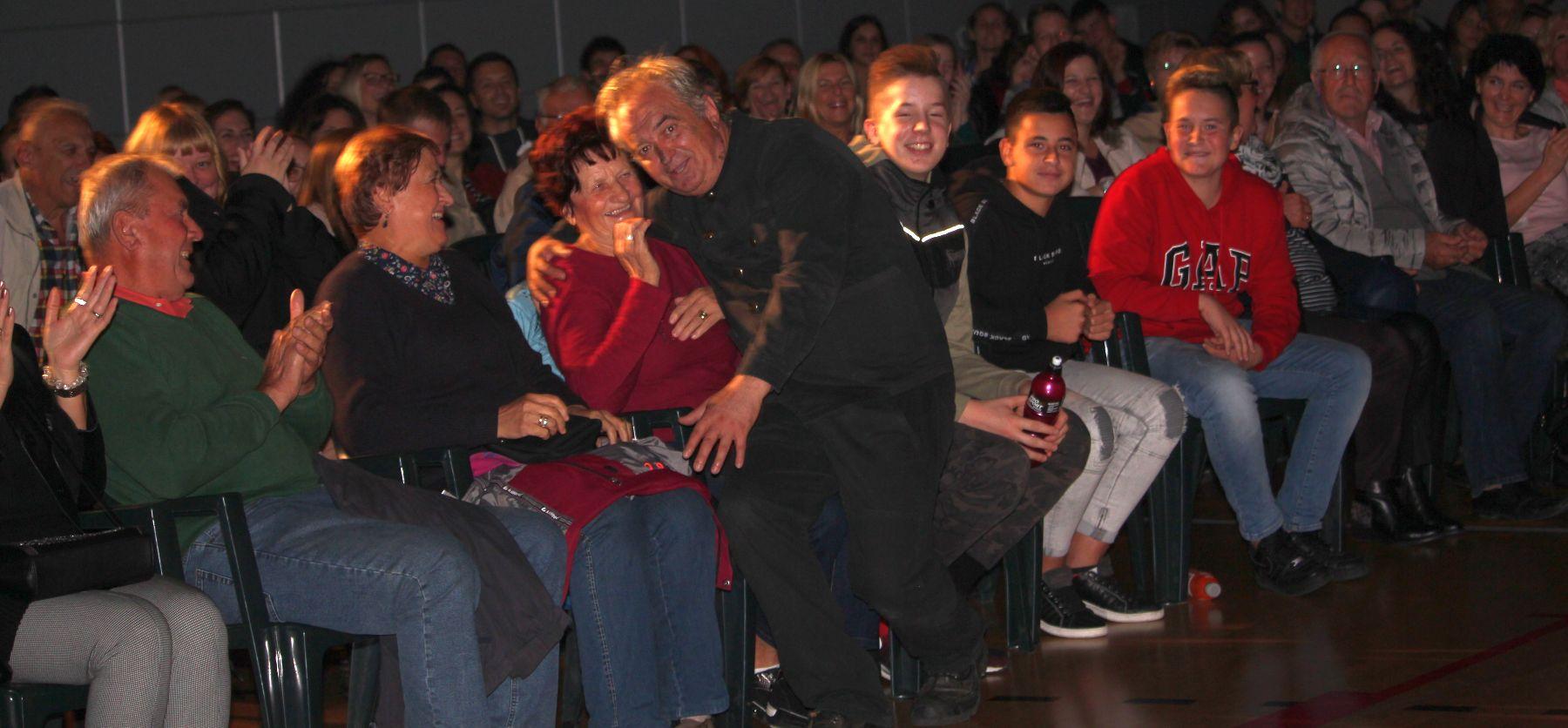 Ljubomir Kerekeš sa svojim Dimnjačarom oduševio malinskarsku publiku