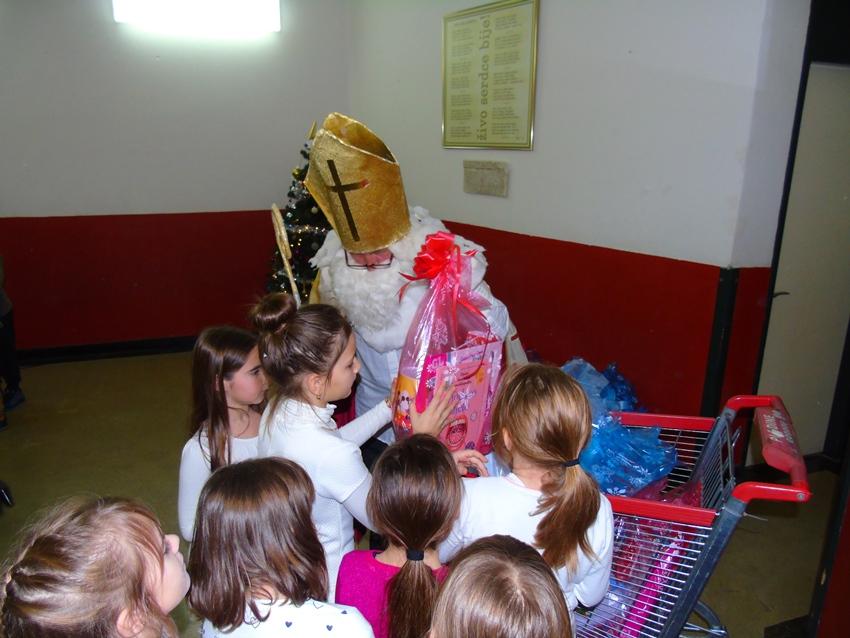 Sveti Nikola u posjeti Osnovnoj školi Malinska – Dubašnica