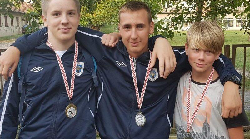 ŠSK Dub:Tri medalje iz Vinkovaca