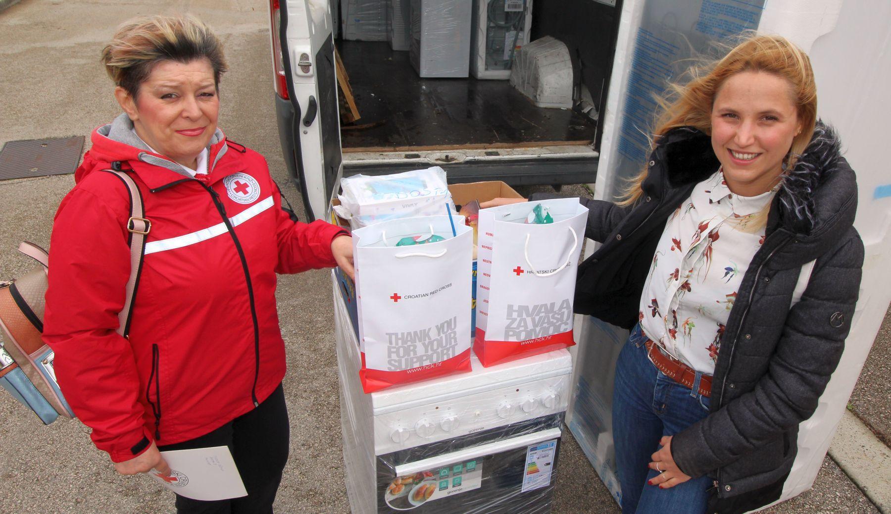 Crveni križ darivao potrebite