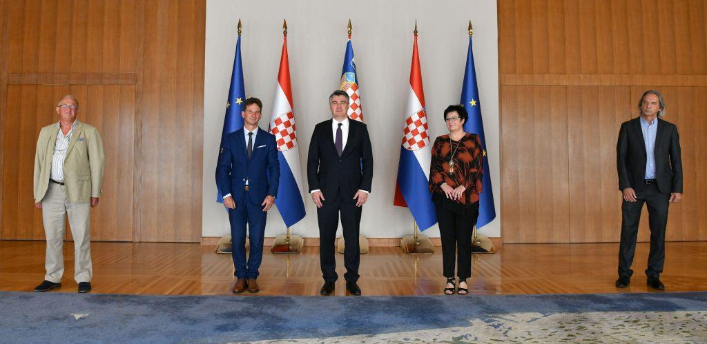 Predsjednik Republike sastao se s izaslanstvom općine Malinska-Dubašnica koji su ga upoznali s problemom Haludovo